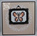 CR1473 Craftables snijmal Cross stitch border